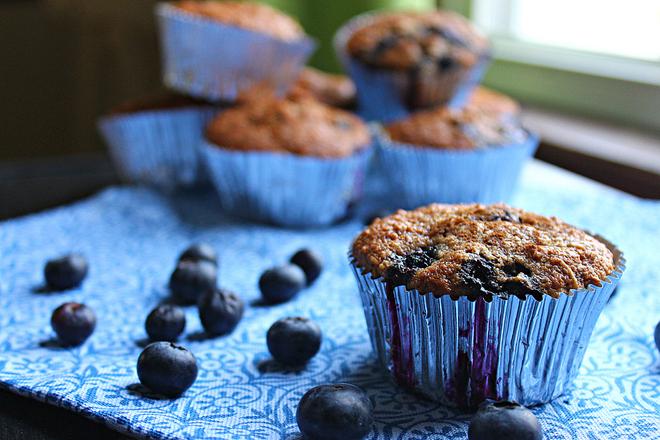 Skinny Blueberry Oatmeal Muffins