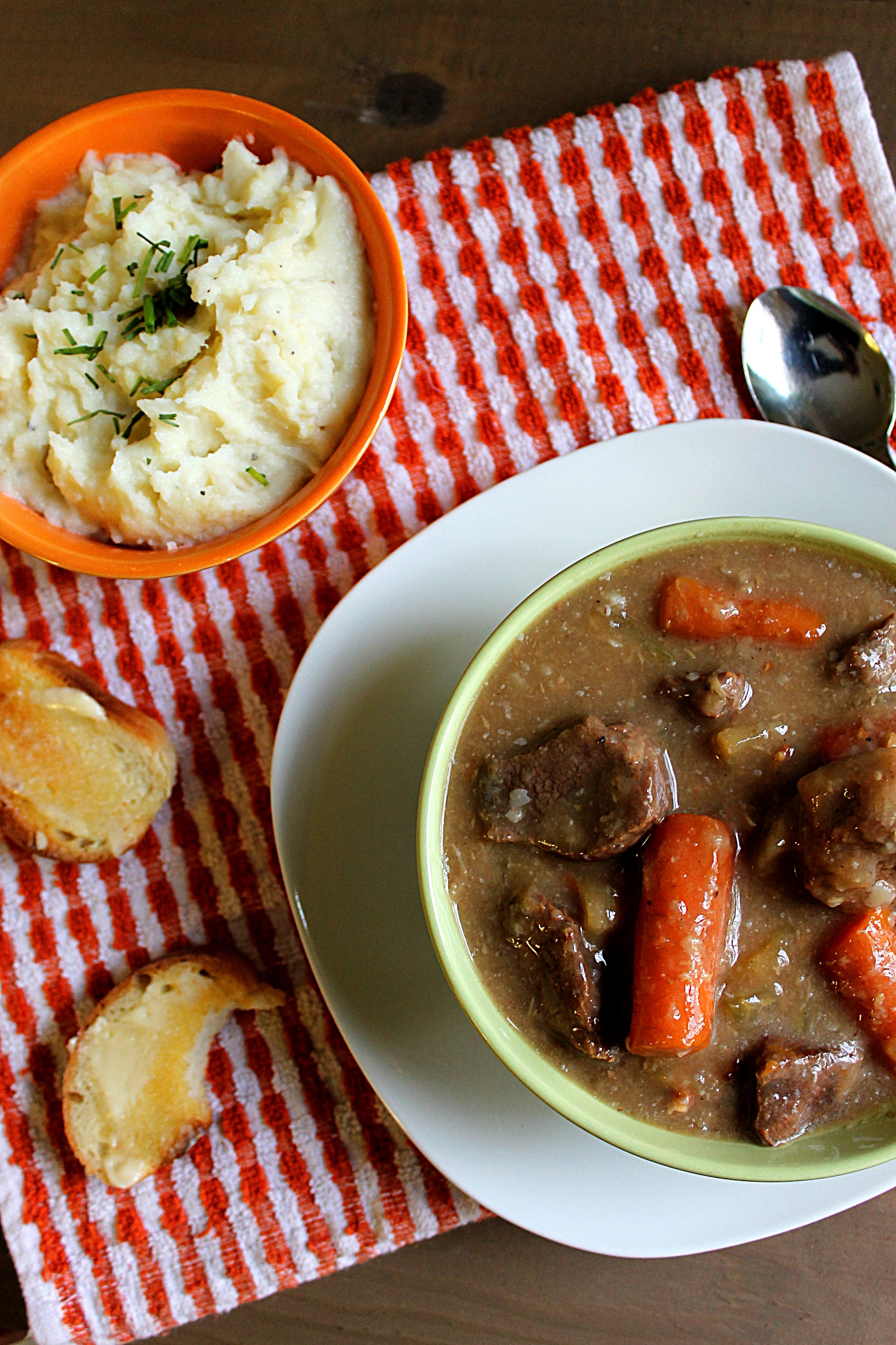 Autumn Beef Stew via Fabtastic Eats #beef #stew