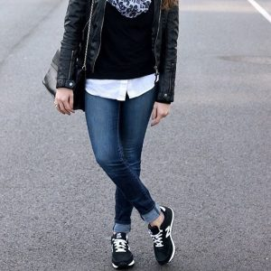 casual chic sneaker style ontheblog today! I just cant stophellip