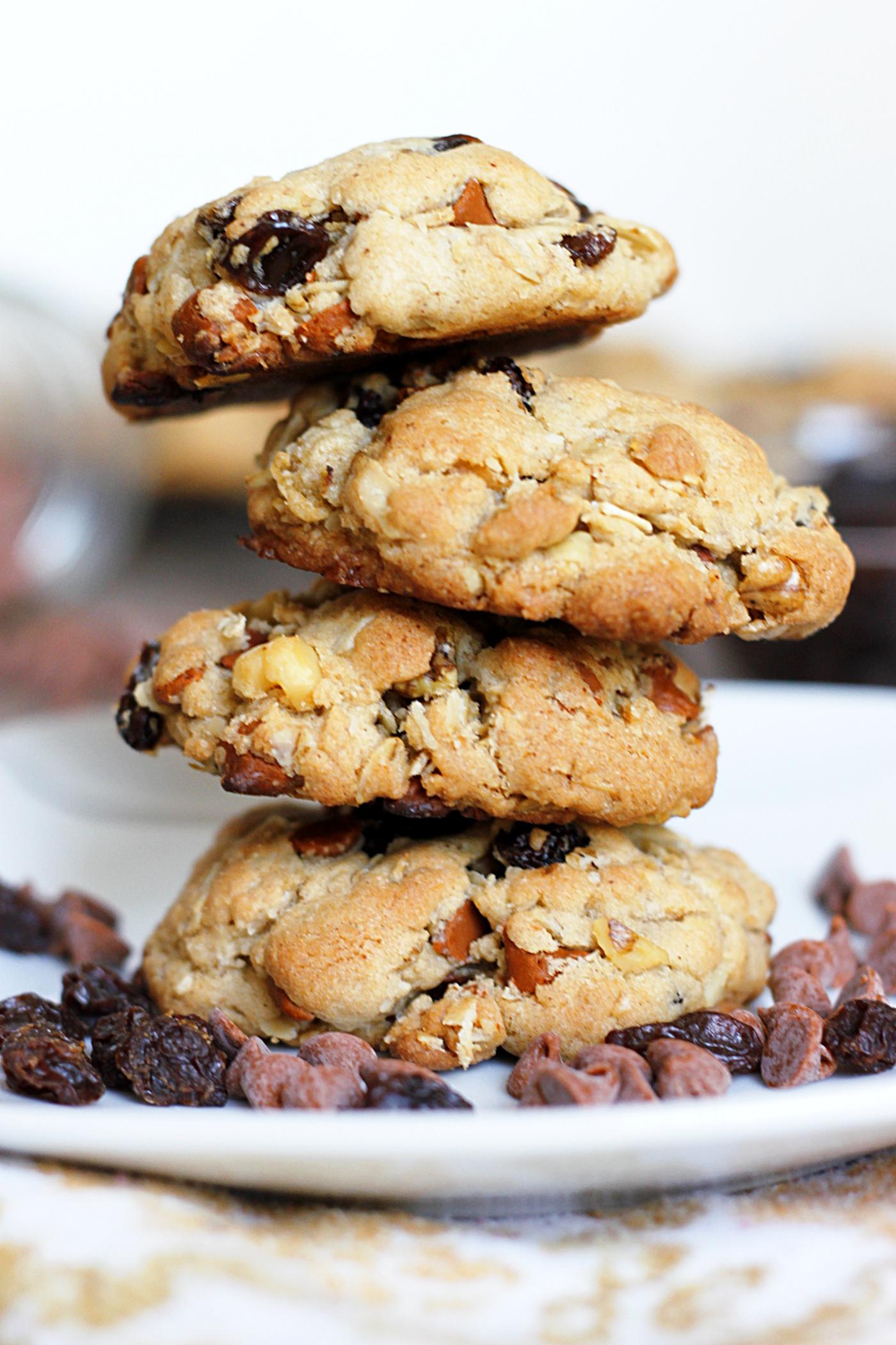 Cinnamon Raisin Walnut Oatmeal Cookies
