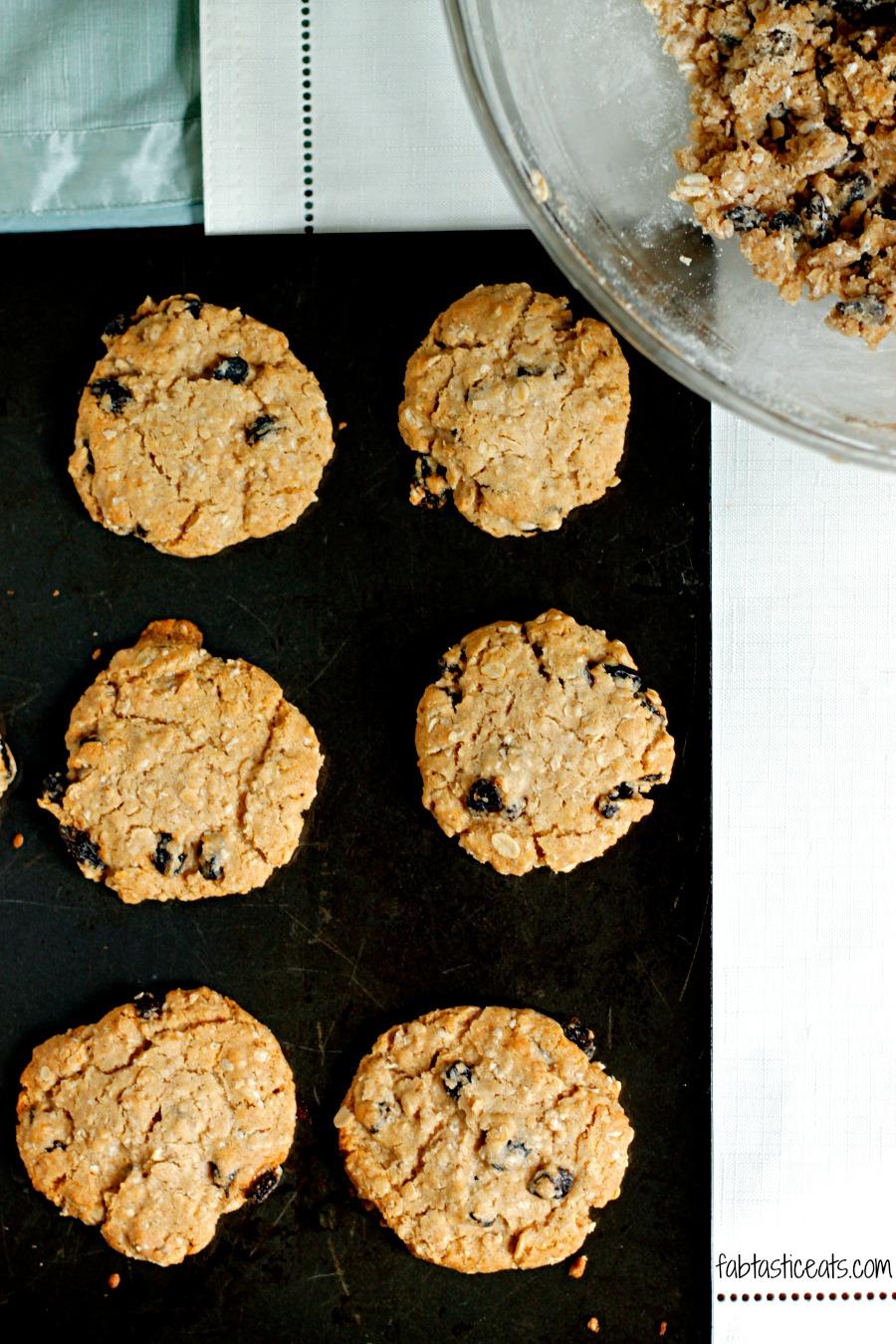 Crispy Oatmeal Raisin Cookies