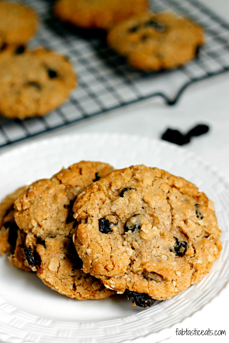 Crispy Oatmeal Raisin Cookies