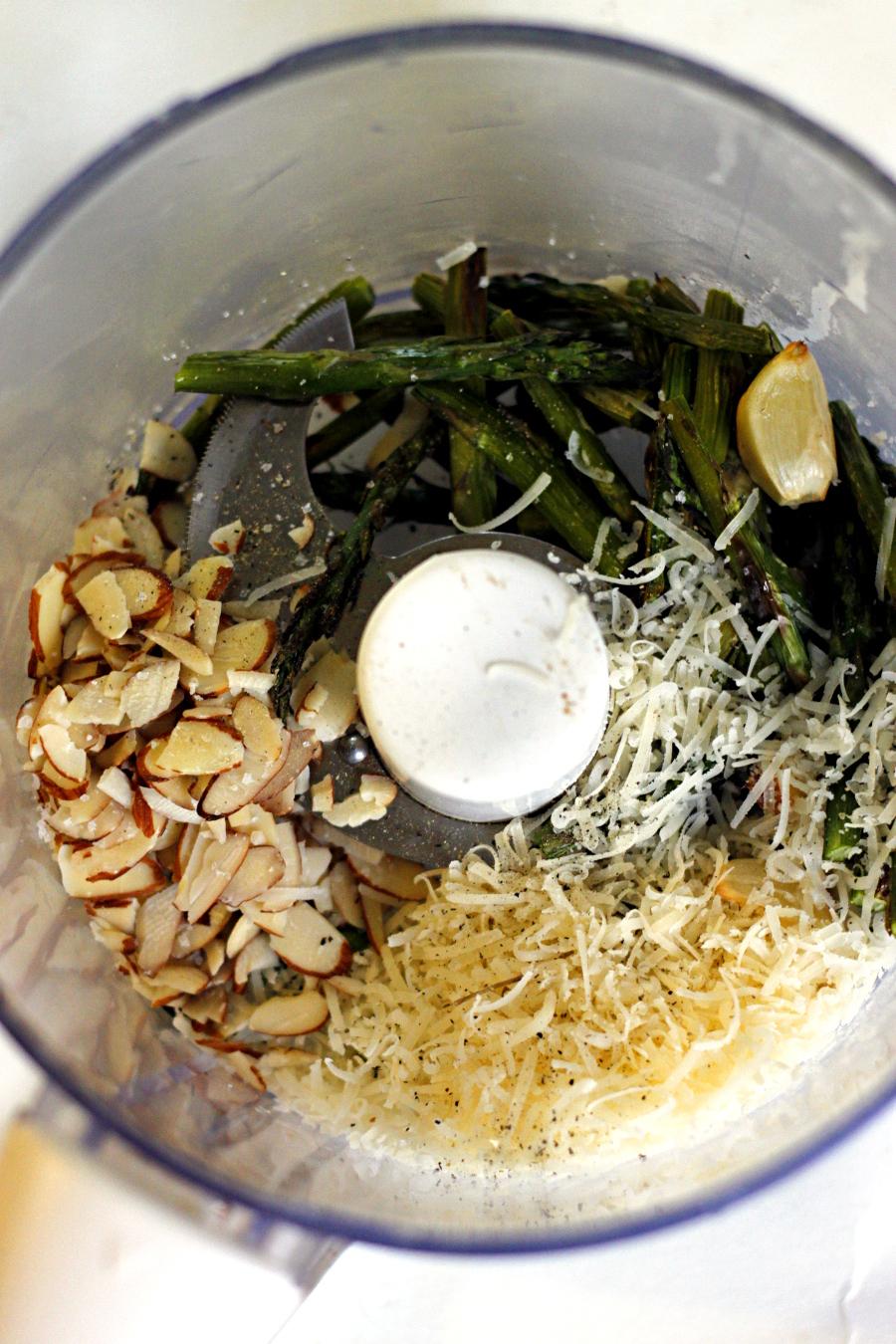 Chicken, Sun-dried Tomato, and Asparagus Pesto Sandwich