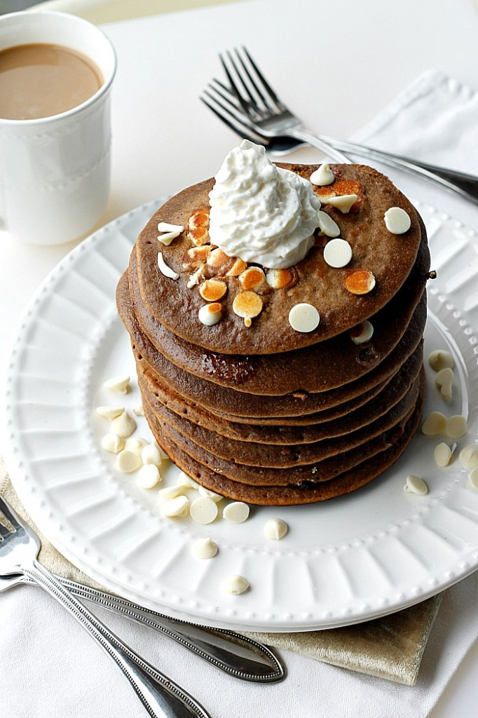 White Chocolate Gingerbread Pancakes | Fabtastic Eats