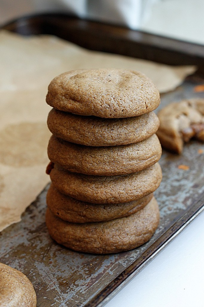 Caramel Stuffed Soft Gingerbread Cookies | Fabtastic Eats