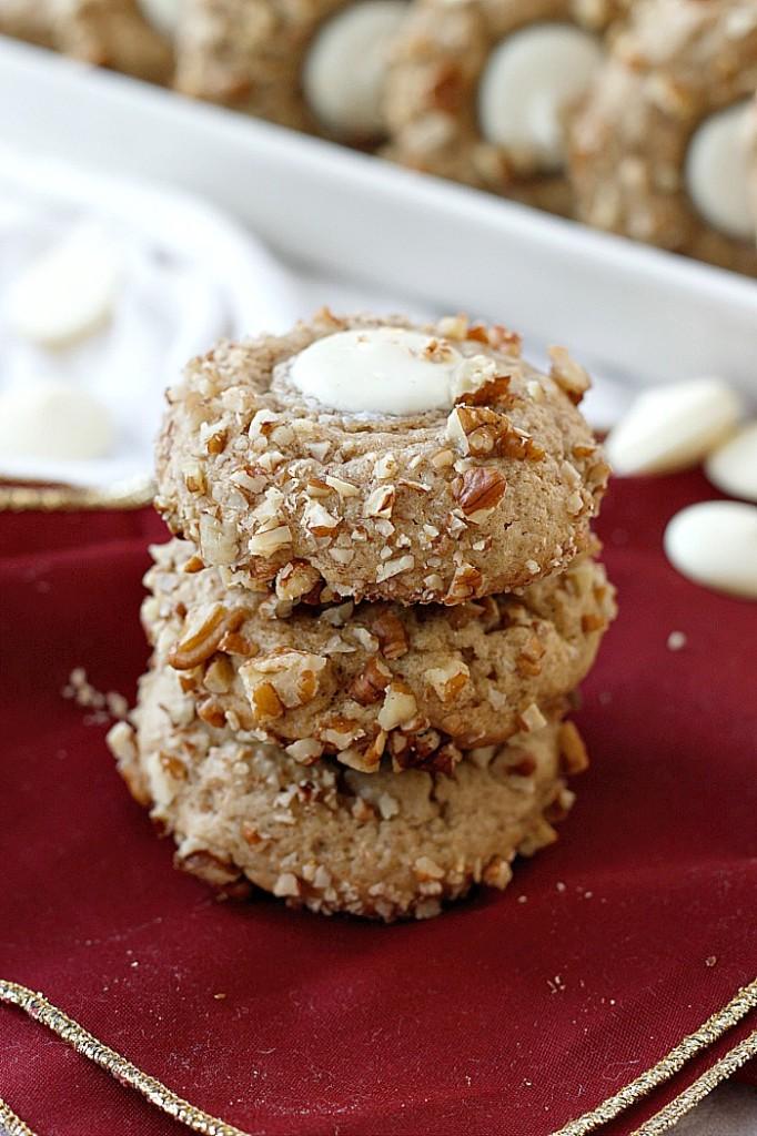 Eggnog, White Chocolate, and Pecan Cookies | Fabtastic Eats