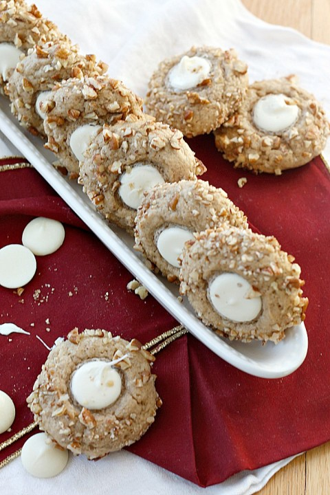 Eggnog, White Chocolate, and Pecan Cookies | Fabtastic Eats