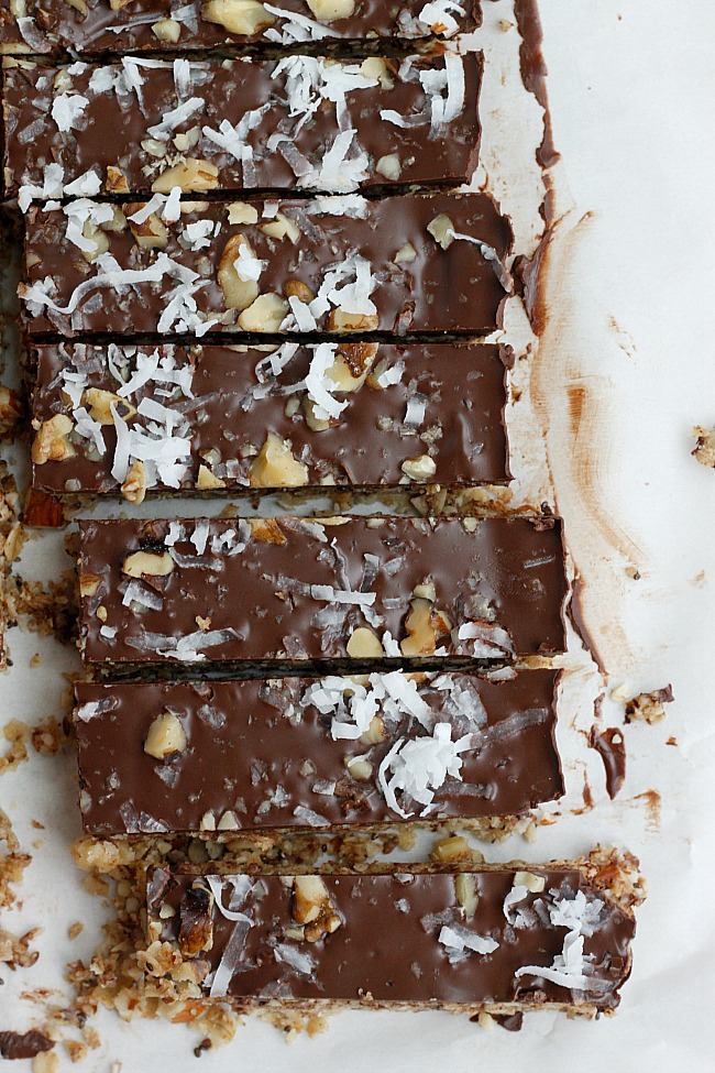 Dark Chocolate Coconut Granola Bars (Healthy!) | Fabtastic Eats