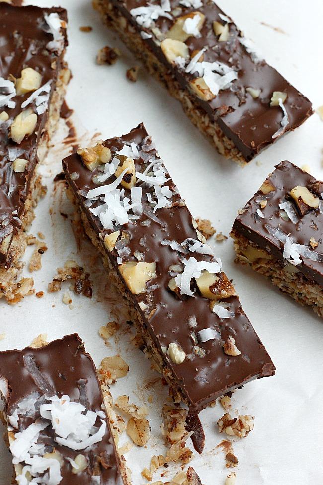 Dark Chocolate Coconut Granola Bars (Healthy!)   Fabtastic Eats