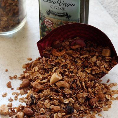 Nutty Fig Granola