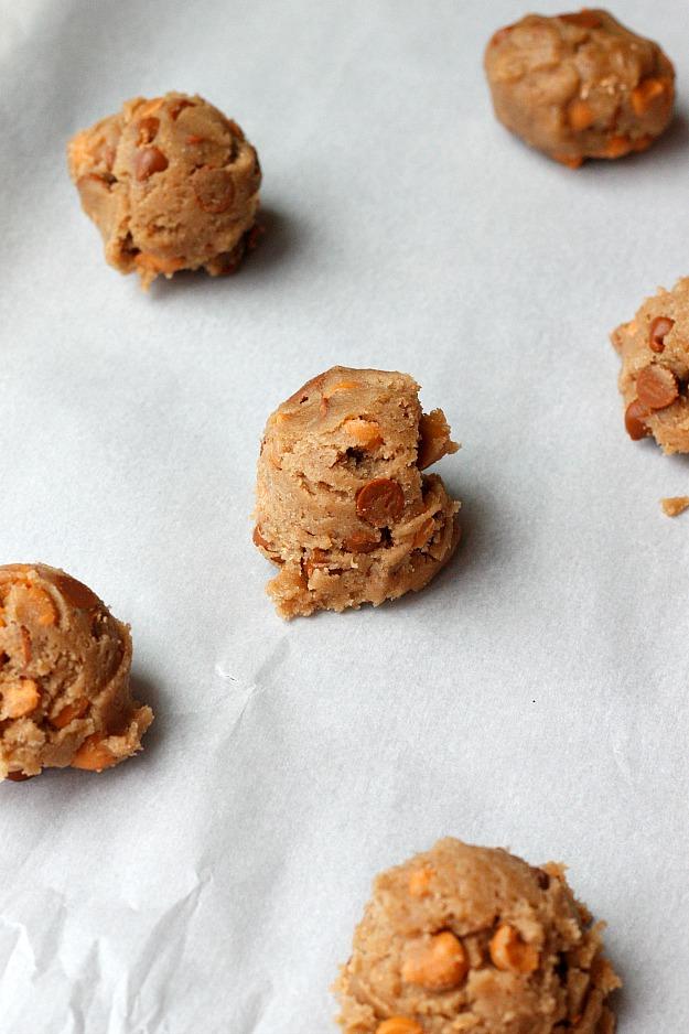 Brown Butter Cinnamon Butterscotch Cookies | Fabtastic Eats