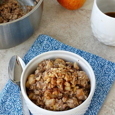 10 Minute-One Pot Apple Pie Oatmeal