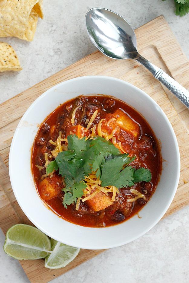 Sweet Potato, Black Bean, and Ground Sirloin Chili | Fabtastic Eats