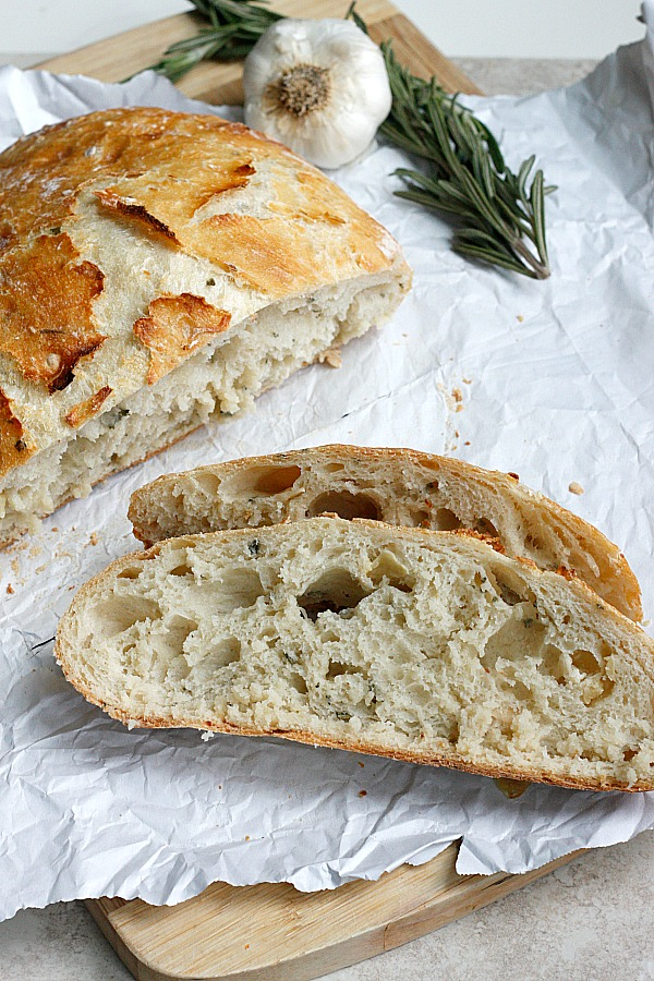 Roasted Garlic & Rosemary Artisan Bread | Fabtastic Eats