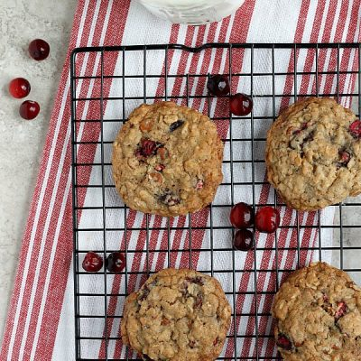 Cinnamon Cranberry Oatmeal Cookies