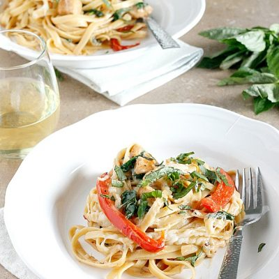 Cheesy Chicken Fettucine (in a greek yogurt sauce!)