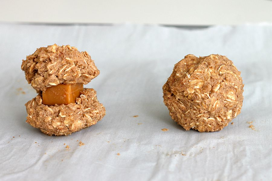Caramel Apple Spice Oatmeal Cookies | Fabtastic Eats